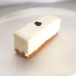 感動する美味しさ!一度はゼッタイ食べてみるべき東京赤坂「しろたえ」のレア チーズケーキ